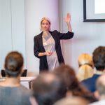 Eröffnungs-Keynote von Prof. Dr. Sarah Diefenbach: Digitale Depression – wie neue Medien unser Glücksempfinden verändern.